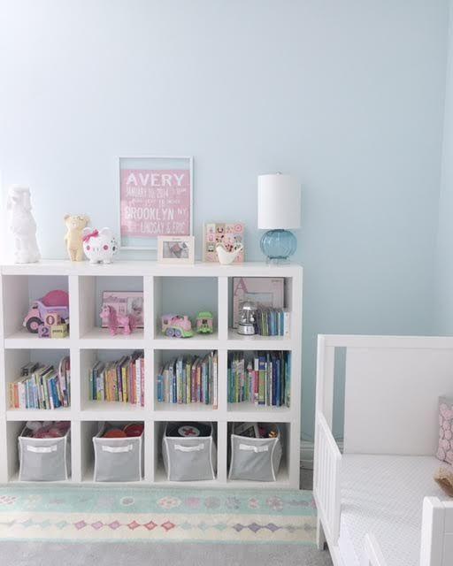 Blue Girlu0027s Room :: Girlu0027s Room Bookshelf Styling :: Toy Storage Bins