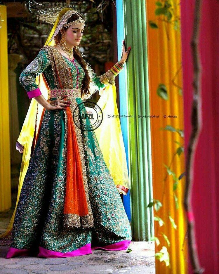 Ali Xeeshan Pakistani couture   Pakistani mehndi dress ...