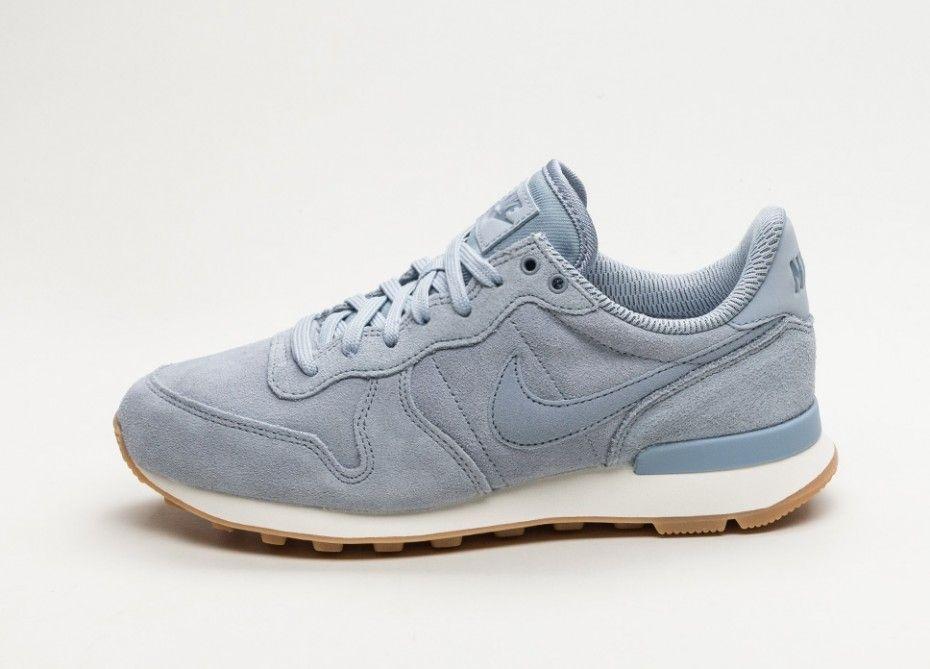 low priced 3c9b5 771e3 Nike Wmns Internationalist SE (Glacier Grey   Glacier Grey - Dark Sky Blue)