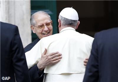 Pape François - Pope Francis - Papa Francesco - Papa Francisco - Le Pape visite l'Eglise : de la Chiesa del Gesu  en la fête du St Nom de Jésus - Rencontre avec le P. Nicolas