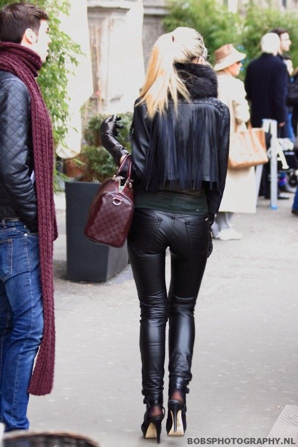 Leather and fur, down to the gloves :)