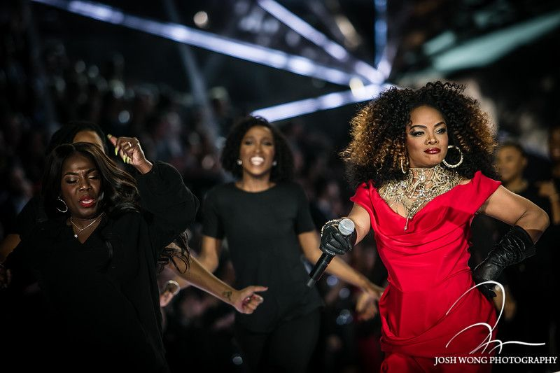 Leela James Performs At The 2018 Victoria S Secret Fashion Show