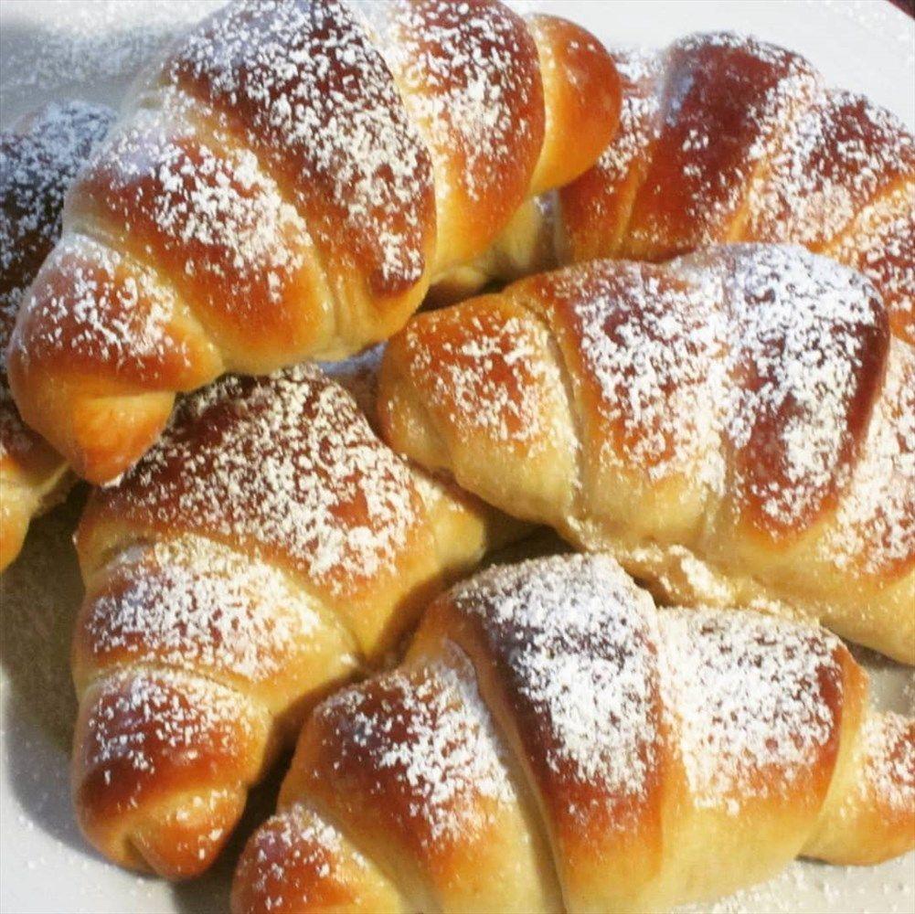 Schnelle softe Frühstücks-Hörnchen – Kochen & Backen leicht gemacht mit Schritt für Schritt Bildern von & mit Slava