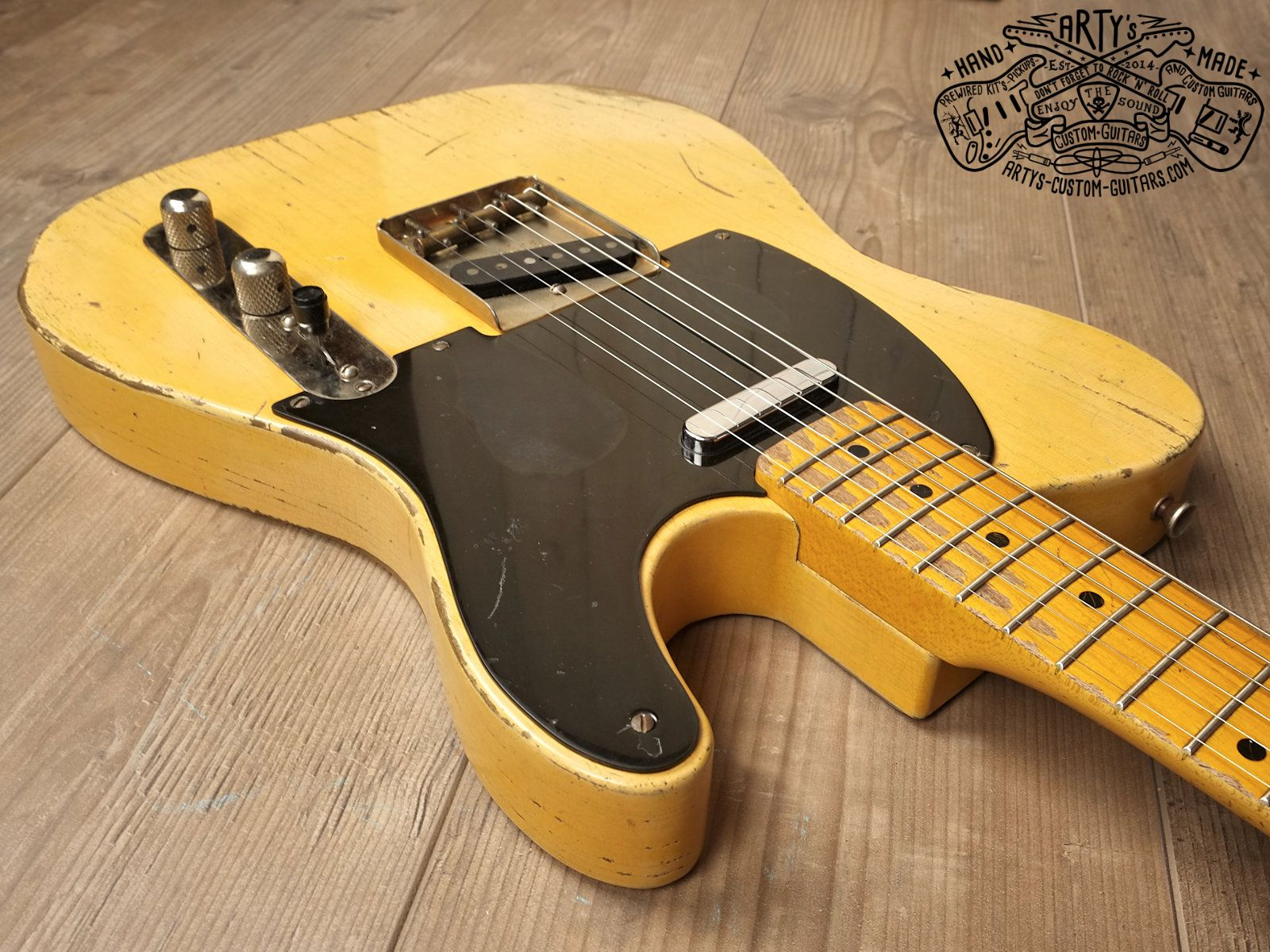 broadcaster butterscotch blonde telecaster heavy relic tele maple neck swamp ash body bakelite pickguard aged nitro finish arty s custom guitars [ 1600 x 1200 Pixel ]