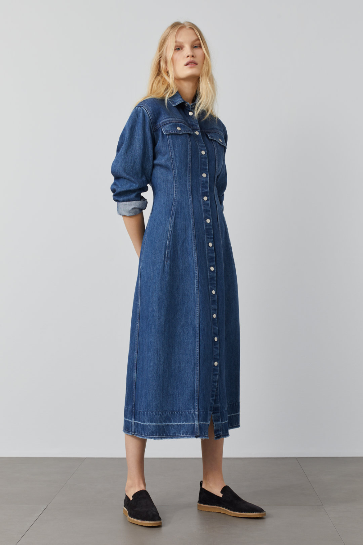 A Better Blue Denim Dress Closed In 2021 Summer Dress Outfits Dresses Denim Dress Outfit [ 1500 x 1000 Pixel ]