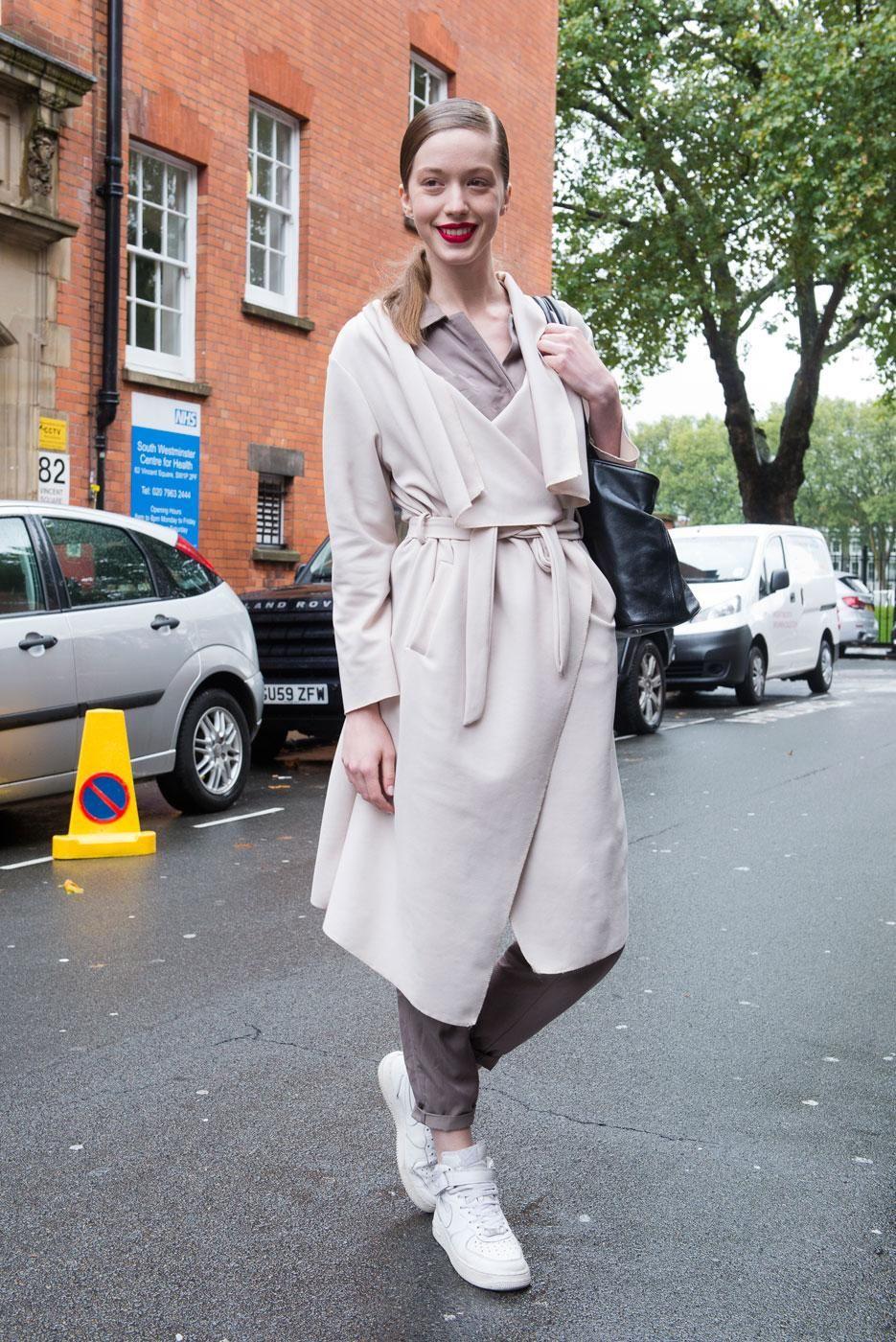 Fashion london week fall models off duty new photo