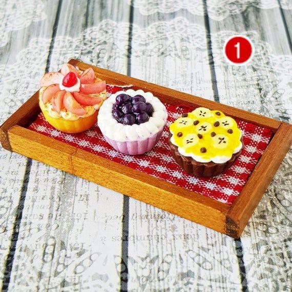 Mini Tiny Blueberry Pie Dollhouse Miniatures Food Bakery Pastries Dessert Sweet