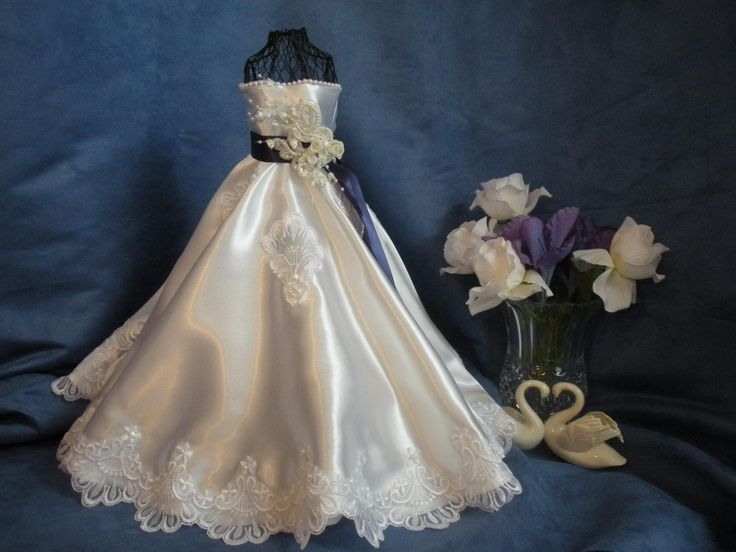 1-12th Scale miniature wedding gown.. | Dresses 4 Card\'s | Pinterest ...