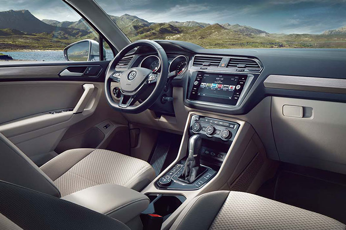 Classic Stylish And Full Of Latest Technology Interior Of The New Tiguan Allspace Who Likes It Image Source Www Volkswa Vw Tiguan Volkswagen Tiguan Autos