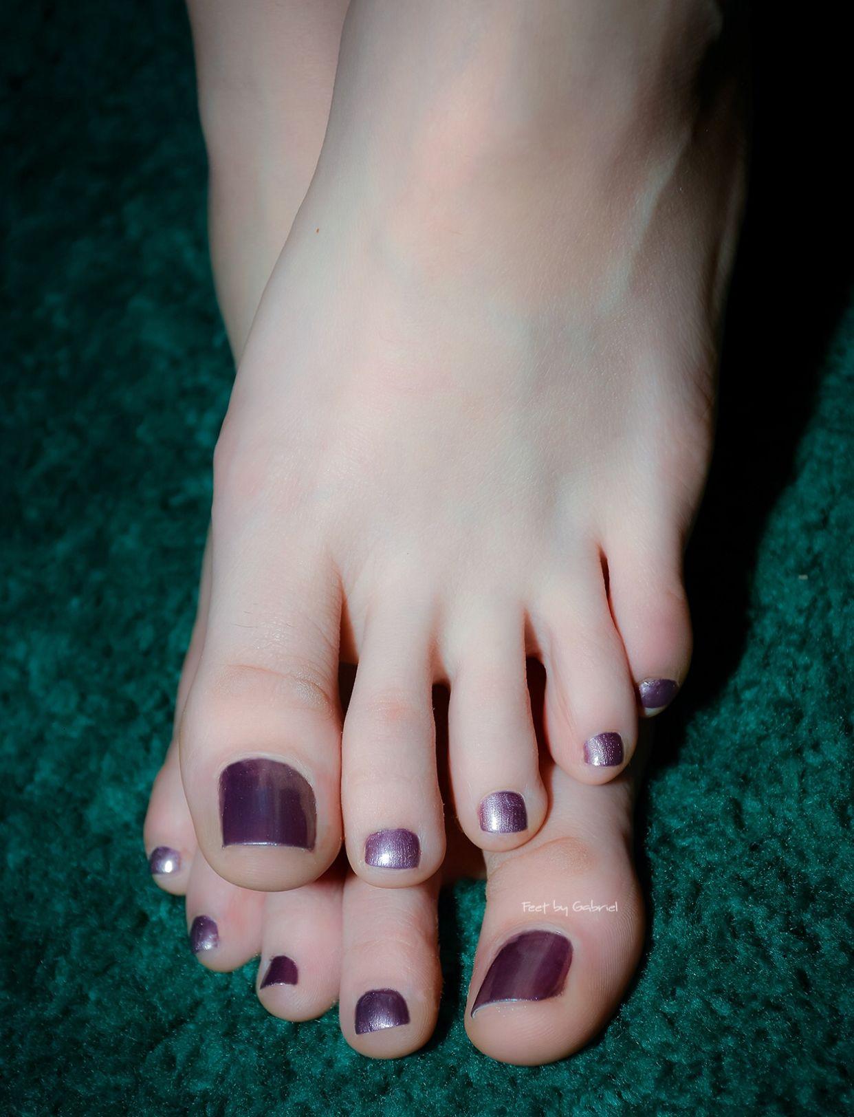 Cute Toes Pretty Toes Foot Pedicure Barefoot Girls Toe Polish Beautiful
