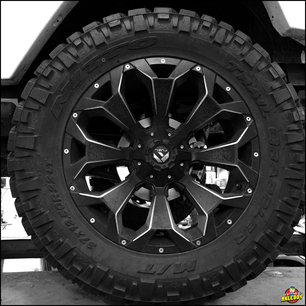 37x13 50r22 Nitto Trail Grappler Tire On A Fuel Wheel Axl Jeep Wheels Fuel Wheels Truck Rims And Tires