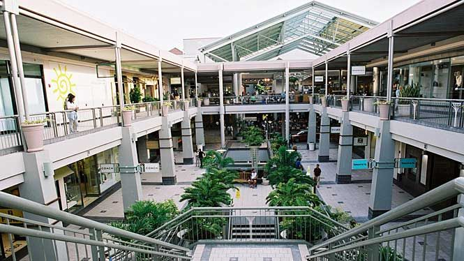 A Mall With No Roof It Was So Nice Loved It Oahu Vacation Oahu Hawaii Vacation