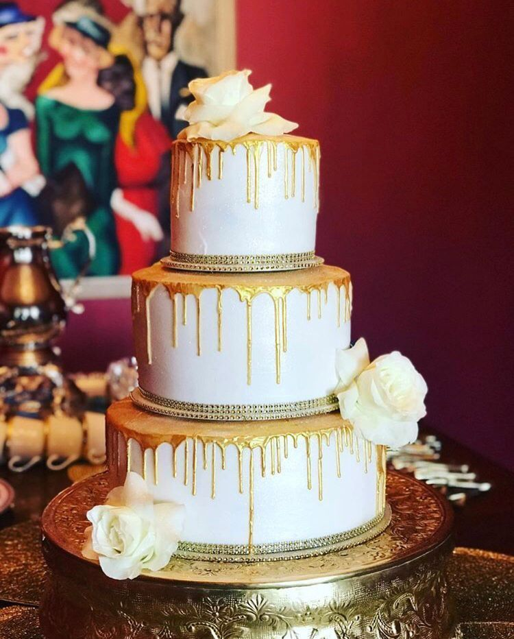 The Perfect Gold Drip Cake With Added Fresh Fls Cakes 2 Dy 4 In Corpus Christi Tx