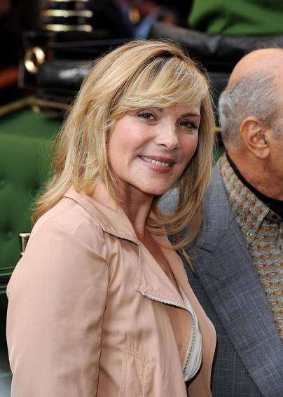 Kim Catrall - how to age with STYLE. | Kim cattrall ...