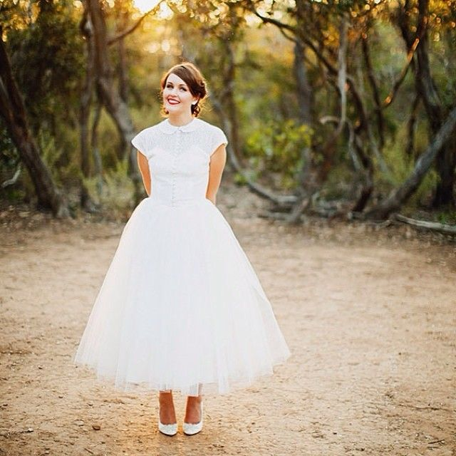 White Vintage Wedding Dress with Peter Pan Collar, Button Down Front ...