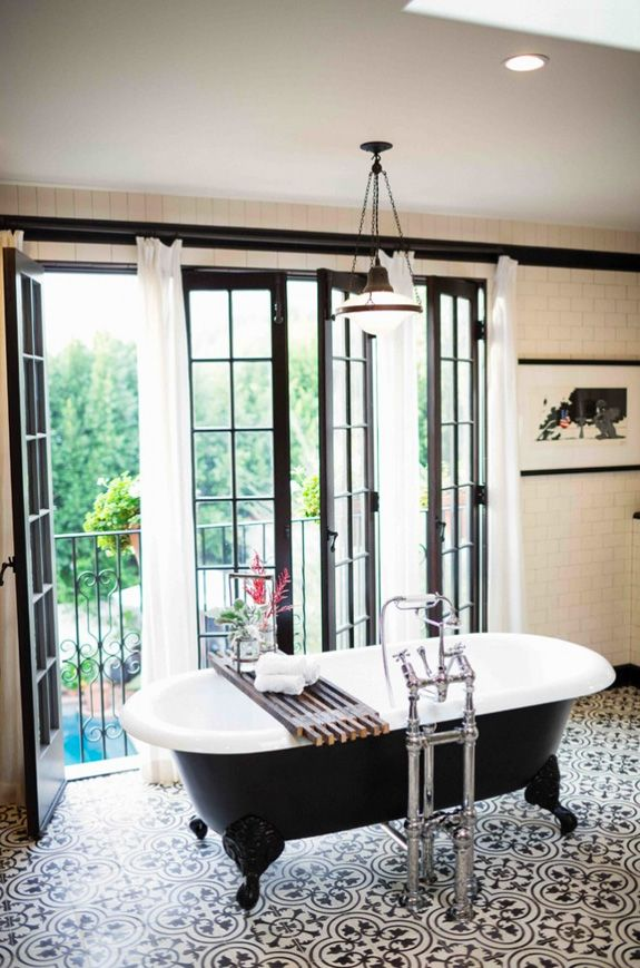 A Dreamy Black And White Bathroom Desire To Inspire