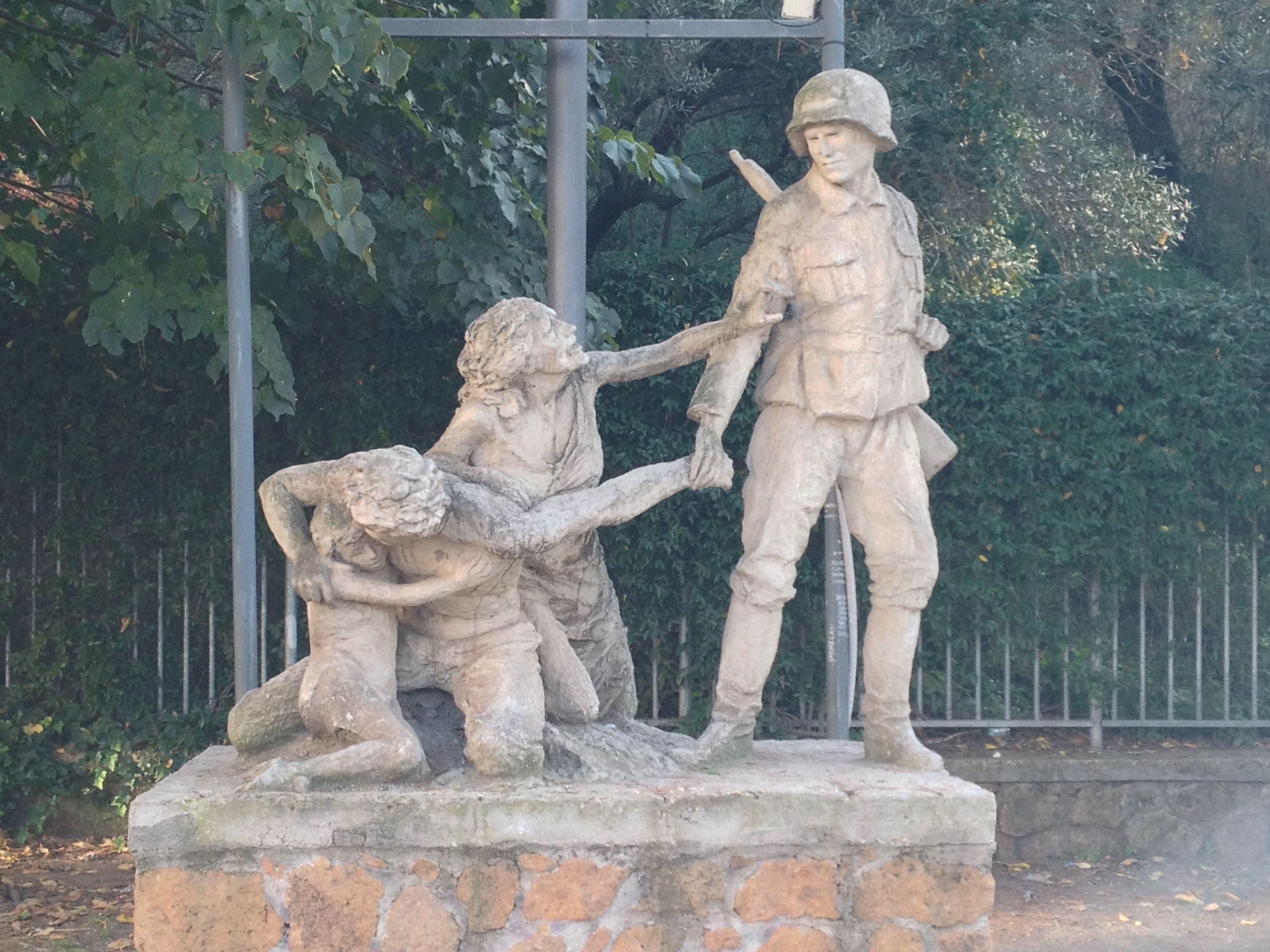 Monumento ai caduti della resistenza- Parco 17 aprile 1944