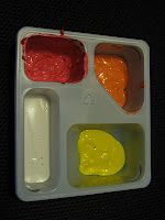must remember for the kids!! empty Lunchmate containers for paint!