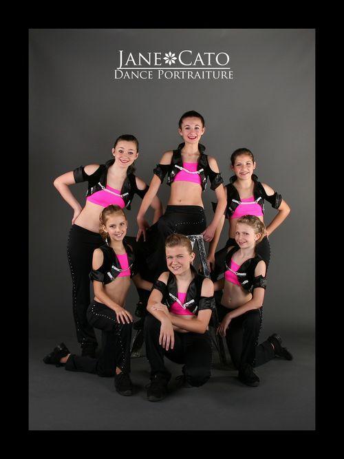 Hip Hop Dance Group Poses 8343adae002dfe866cafff689e342d ...