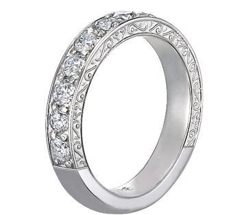 Luxe Antique Scroll Ring (3/4 ct.tw.), this eye-catching antique-style ring is engraved with delicate scrolls.