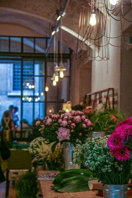 La menagere un concept restaurant un locale di design a for Articoli design casa
