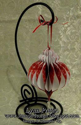 http://stampndesign.blogspot.gr/2011/11/honeycomb-ornament-free-template.html