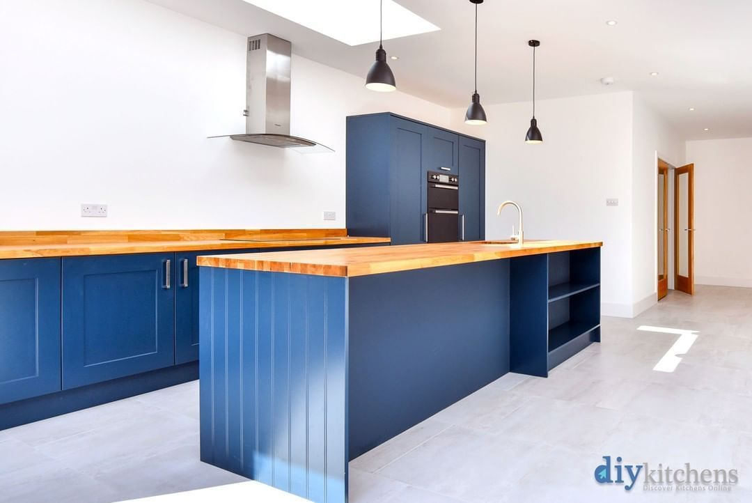 Diy Kitchens On Instagram Anup From Camberley Shows Us His Completed Innova Stanbury Besp In 2020 Diy Kitchen Diy Kitchen Cabinets Makeover Kitchen Cabinets Makeover