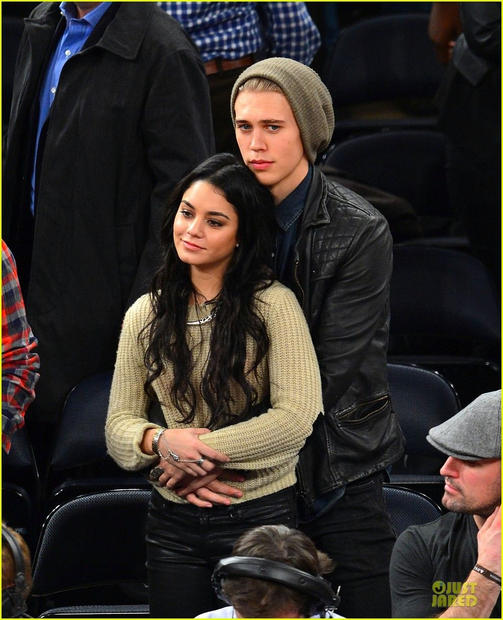 Vanessa talks about Austin Butler