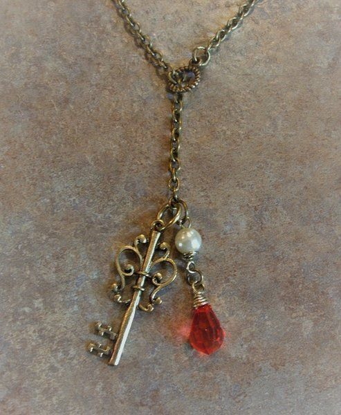 Antique Skeleton Key Lariat Necklace | Trinkets By Lucia