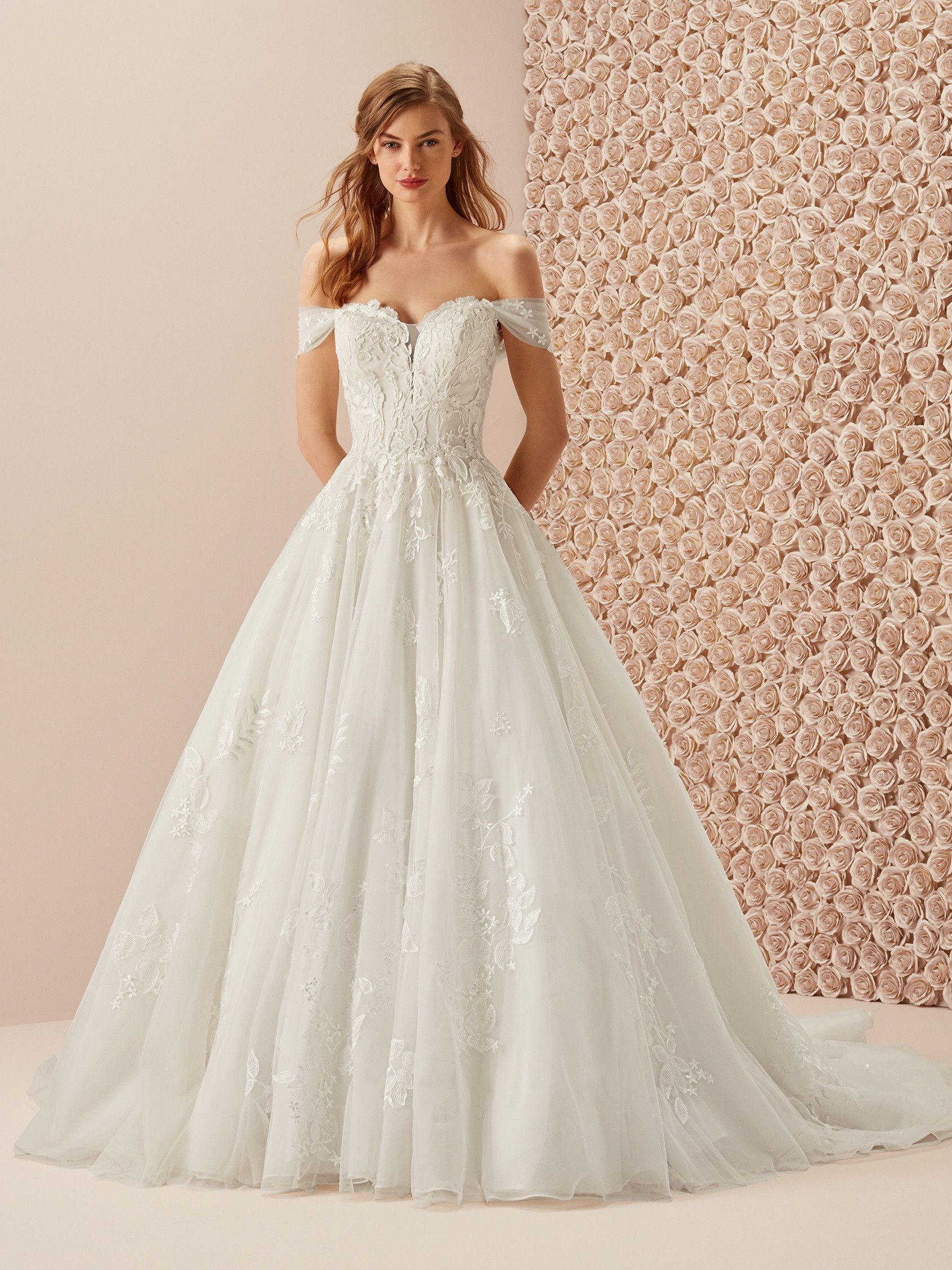 b2582850a8 Pronovias: Mambo Wedding Dresses, Fashion, Bride Dresses, Moda, Wedding  Gowns,