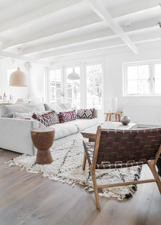 Achieving A California Decorating Style In The City - Apartment Number 4 #coastallivingrooms