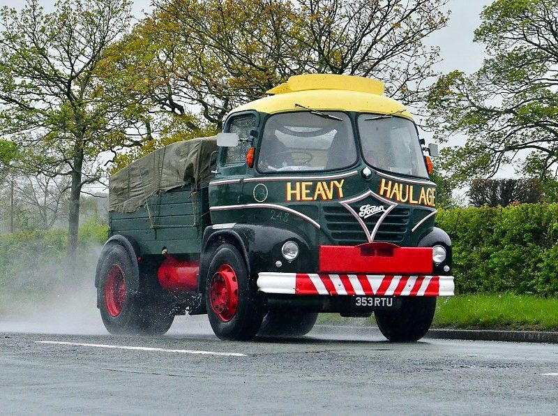 Road Run Two Truck Uk Historic Old Lorries Commercial