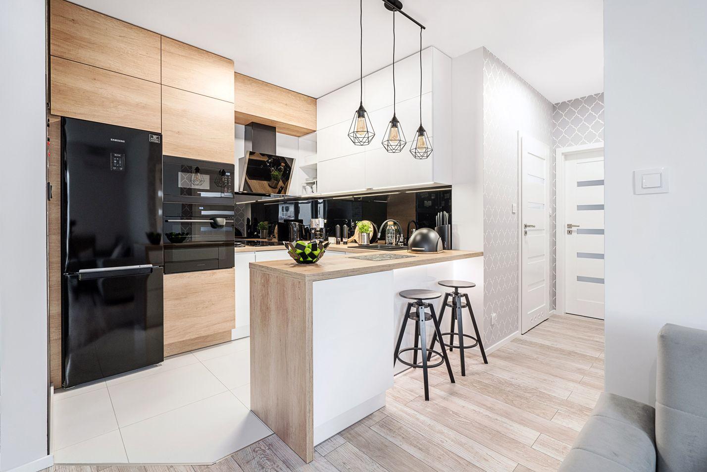 Kuchenna Wyspa To Taki Element Ktory Sprawdza Sie Nie Tylko Jako Miejsce Do Spozywania Posilkow Lub Dodatkowa Przestrzen Do Przechowy Home Decor Kitchen Decor