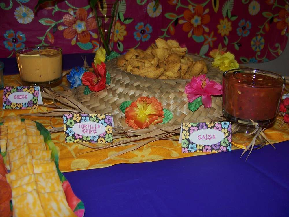 Hawaiian Luau Birthday Party Ideas | Photo 2 of 27 | Catch My Party