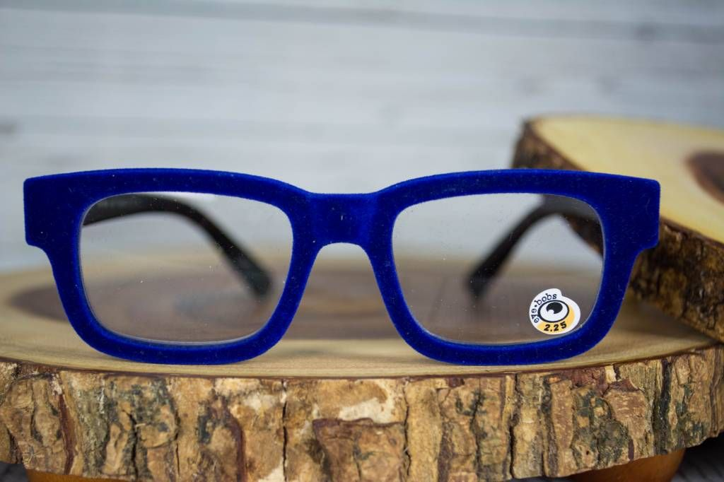 ee5bcd93919c EyeBobs EyeBobs Get Flocked Royal Blue Woman Reading