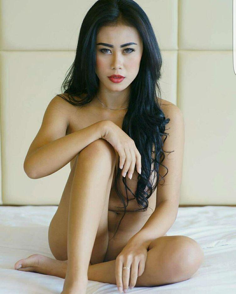 Sexy asiatische vor der Kamera
