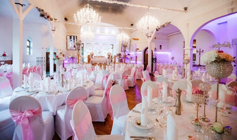 Hochzeit In Der Beefmanufaktur In Neustadt Am Rubenberge Mein Traumtag Hochzeitslocation Hochzeitslocation Marchenhochzeit Hochzeit