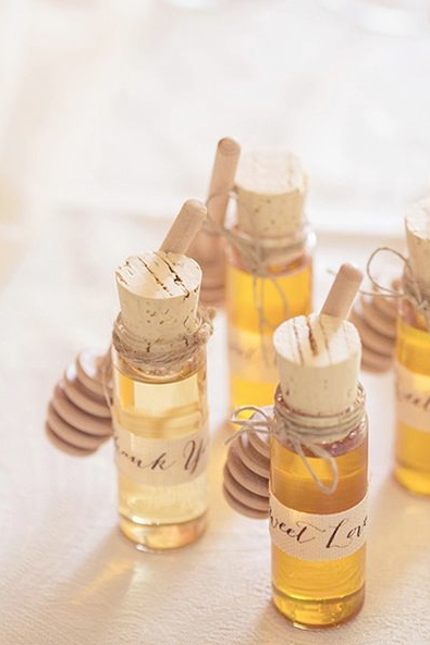 Honey Wedding Favors.10 Wedding Favors Your Guests Won T Hate Wedding Honey Wedding