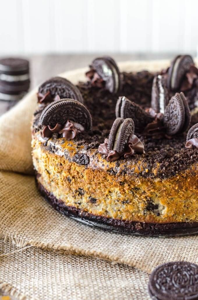 The Best Oreo Cheesecake recipe out there With 40 Oreos and a layer