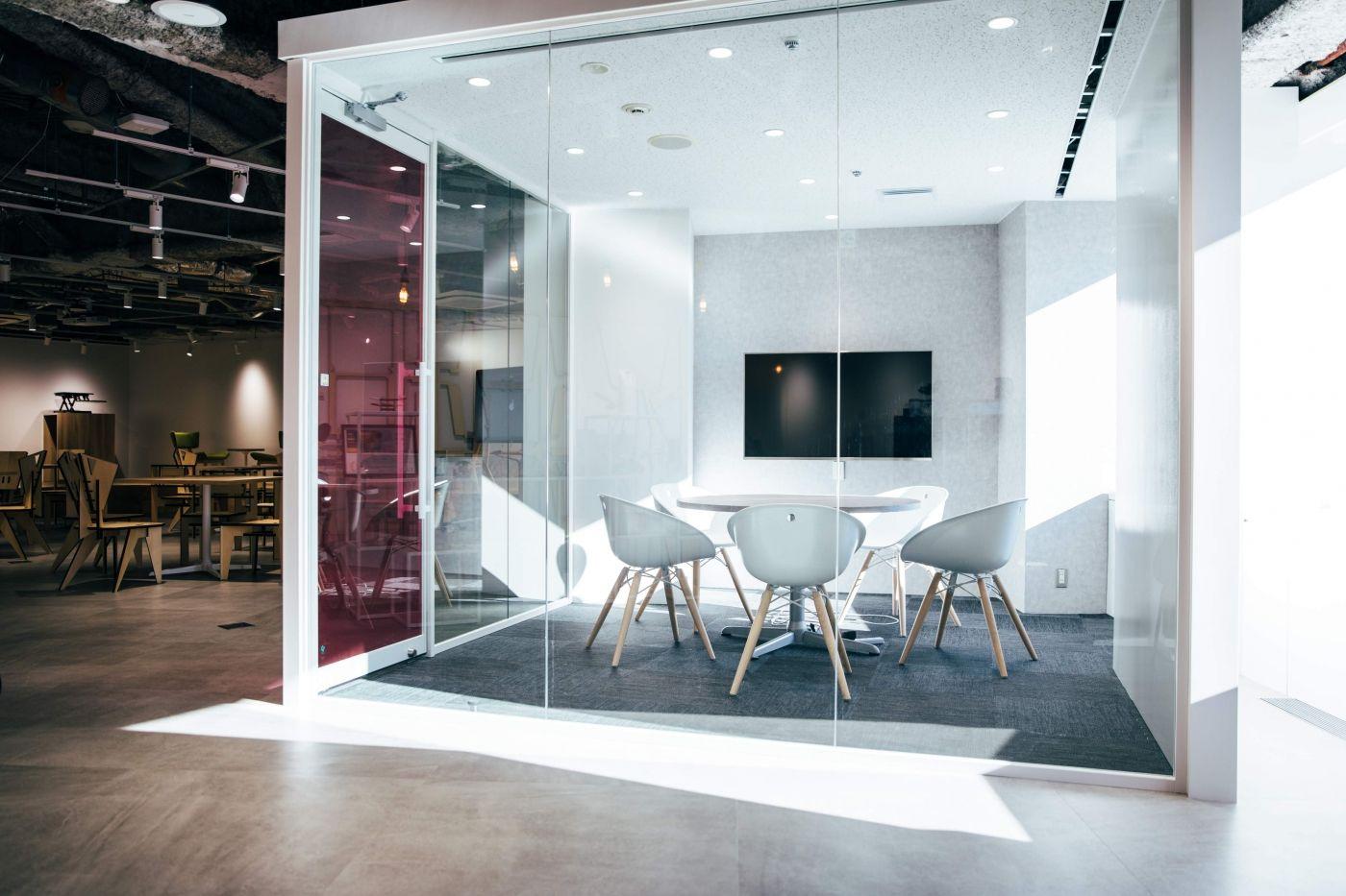 訪れたお客様に驚きと感動を与えるオフィス デザイナーズオフィスのヴィス 画像あり オフィスデザイン