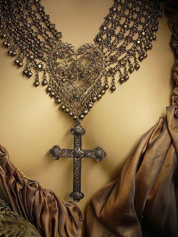 Cross Necklace Goth Jewelry Vintage Jewelry Gold Chain Antique Locket Vintage Jeweled Locket Steampunk Jewelry Gold Locket