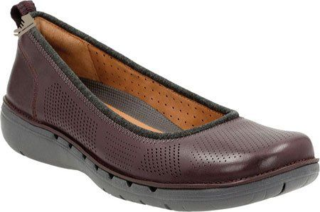 clarks women's un elita aubergine leather flat 75 d