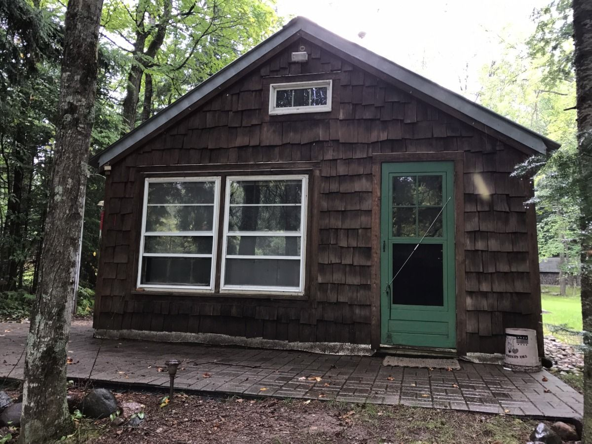 12447 Hwy 32, Mountain, WI 54149, Waterfront, home, cabin