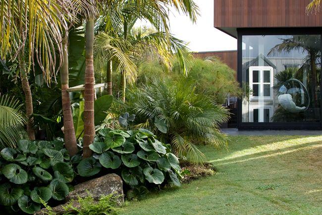 26 Cool Pebble Design Ideas For Your Courtyard Garten Garten Pflanzen Mediterraner Garten