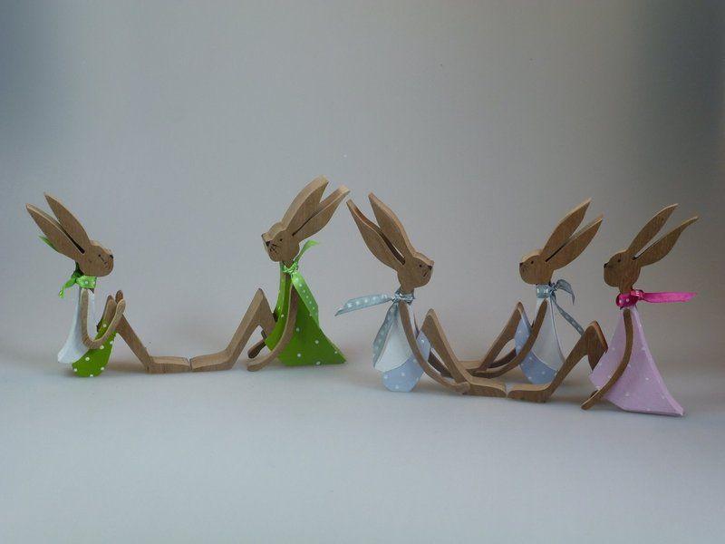 Figuren aus Holz - Kleine Hasen - Sitzhasen von mw-holzkunst auf DaWanda.com