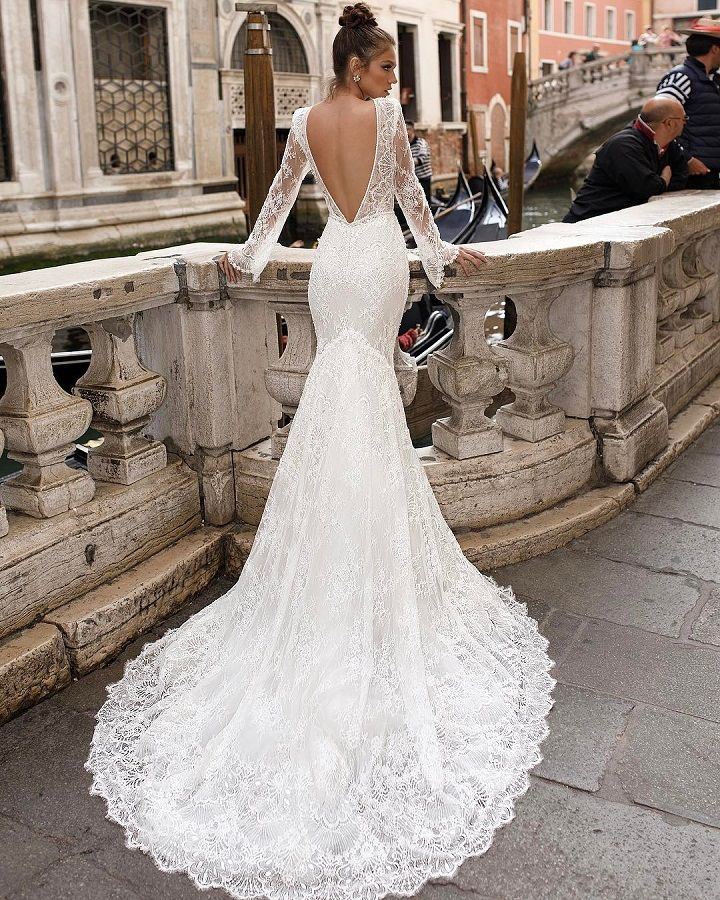 Julie Vino wedding dress   fabmood.com #weddingdress #laceweddingdress #sexyweddingdress #bridalgown #bridaldress #bride