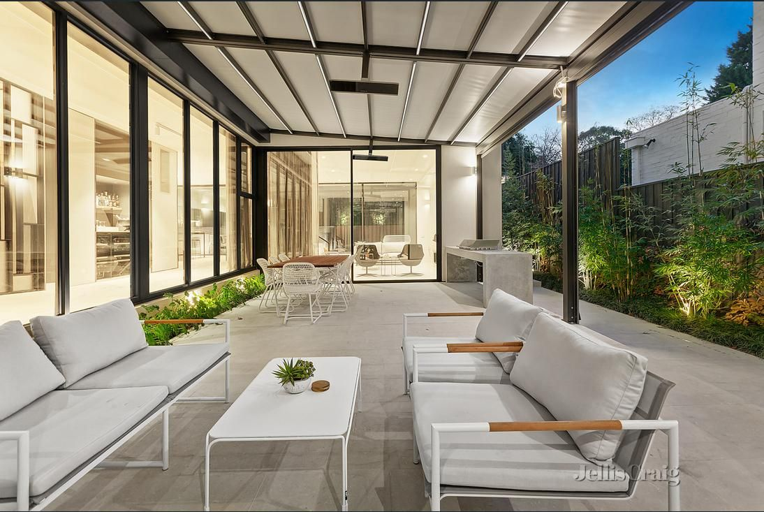 Architecture by Alicia Ferris on My Jamie Durie side | New ... on Outdoor Living Space Builders Near Me  id=85738
