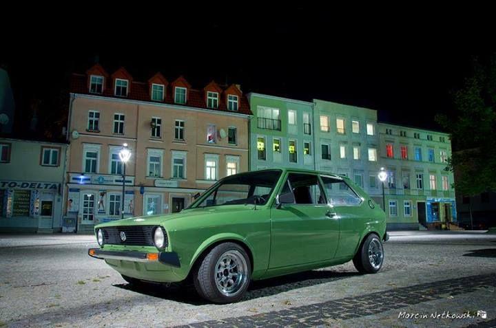 Vw polo garage door 7 in europe pinterest polo for Volkswagen europe garage