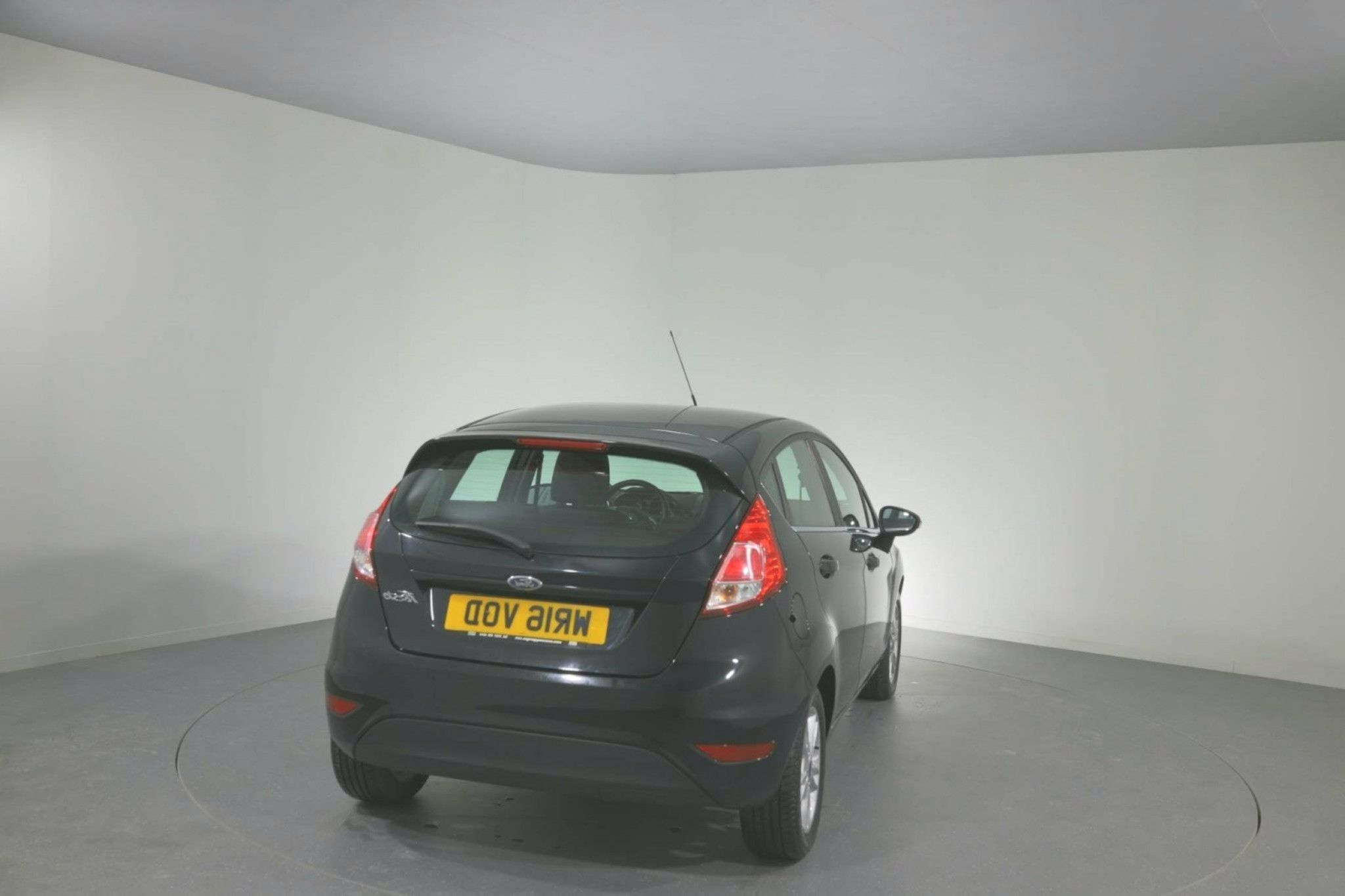 Ford Fiesta 125 Zetec 5dr For Sale Ford Used Ford Fiestas