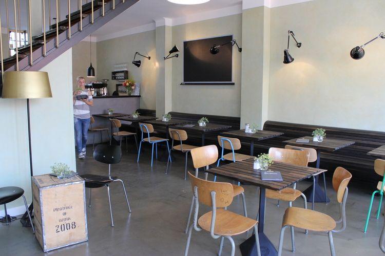 Krögers Kleine Schwester (Altona) - nice café \ bistro with fresh - heimat küche bar